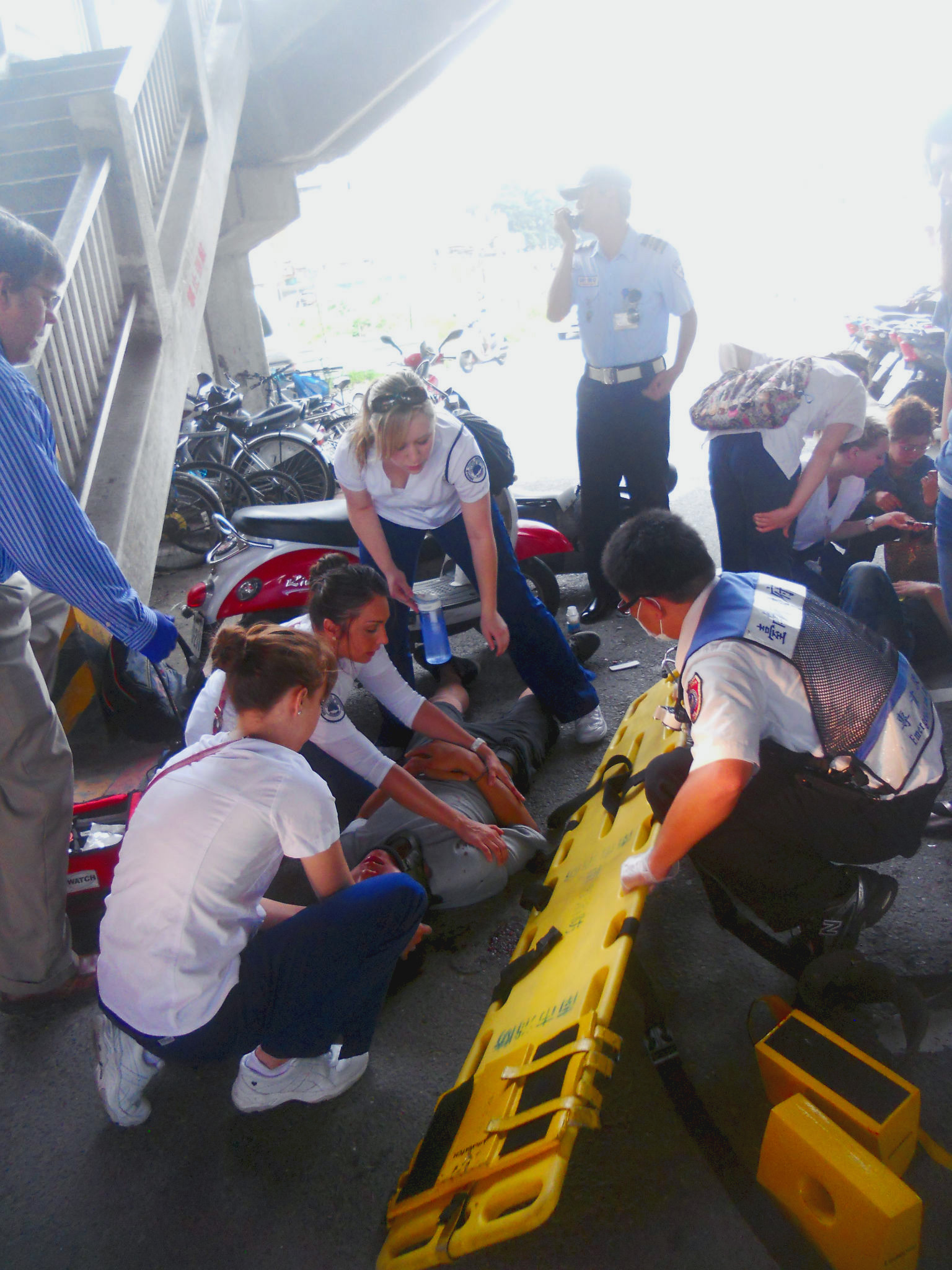 Student nurses assisting EMS team in Taiwan
